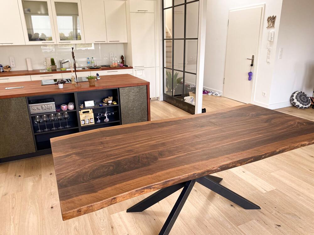 Esstisch dunkel | Massivholztisch | Custom Designer Tisch | Esszimmertisch