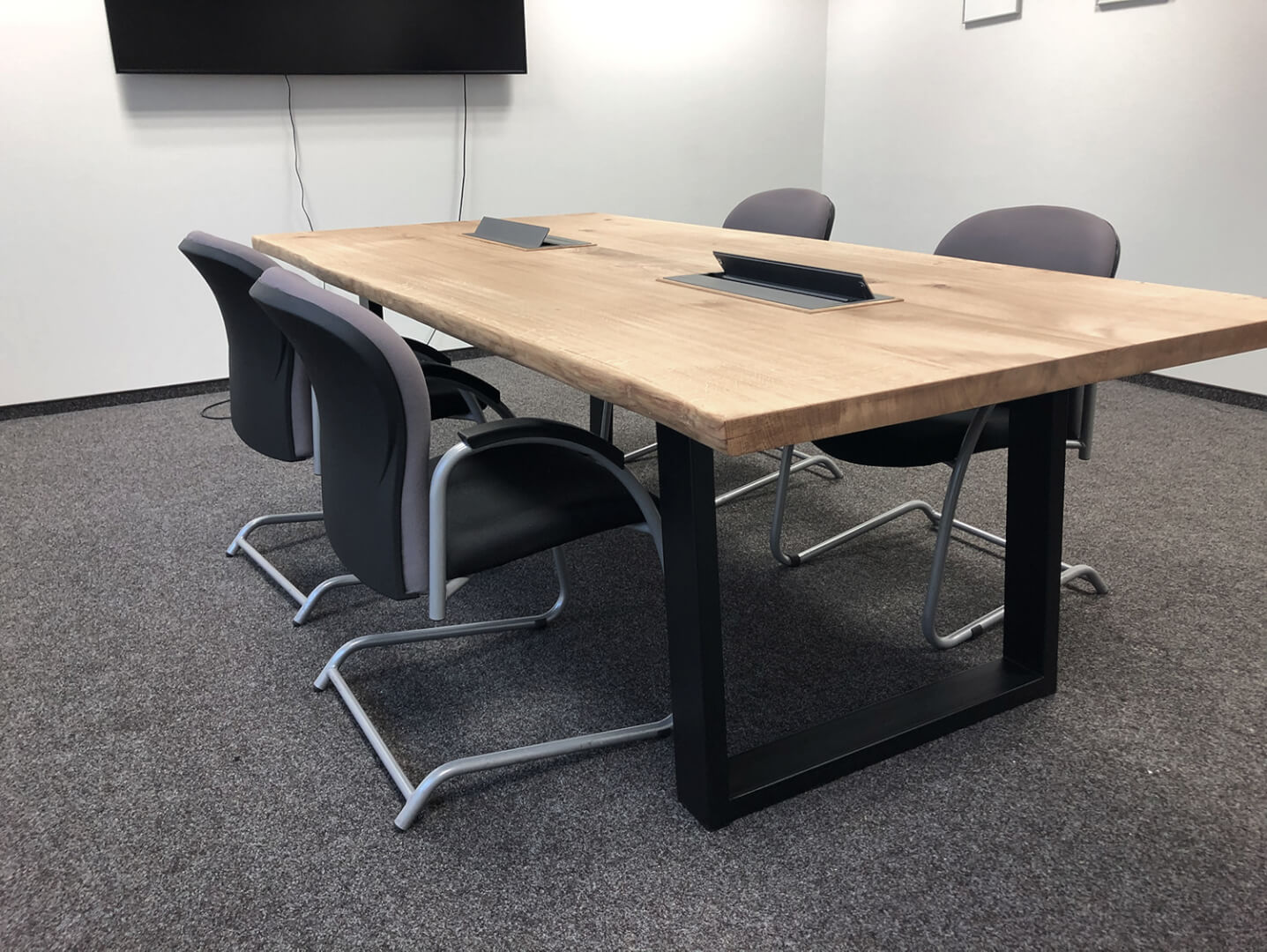 Bürotische | Arbeitsplatz Tische | Massivholz Tischplatte