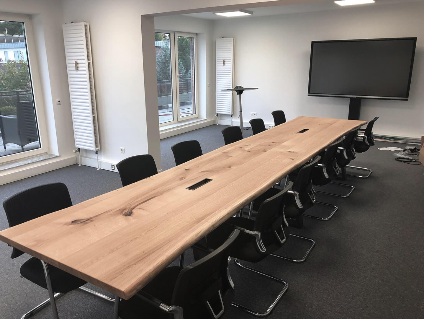 Baumtisch | Konferenz Tisch | Naturholz | Hamburg