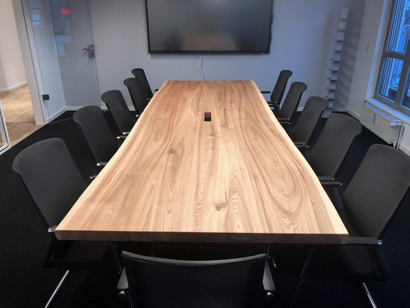 Konferenztisch massiv | Naturholztische | individuell anfertigen lassen