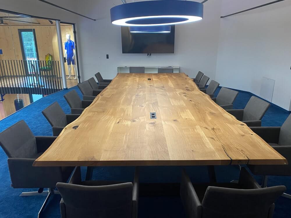 Massivholz Konferenztisch Baumkante | Meetingtisch | Besprechungstisch | Hamburg
