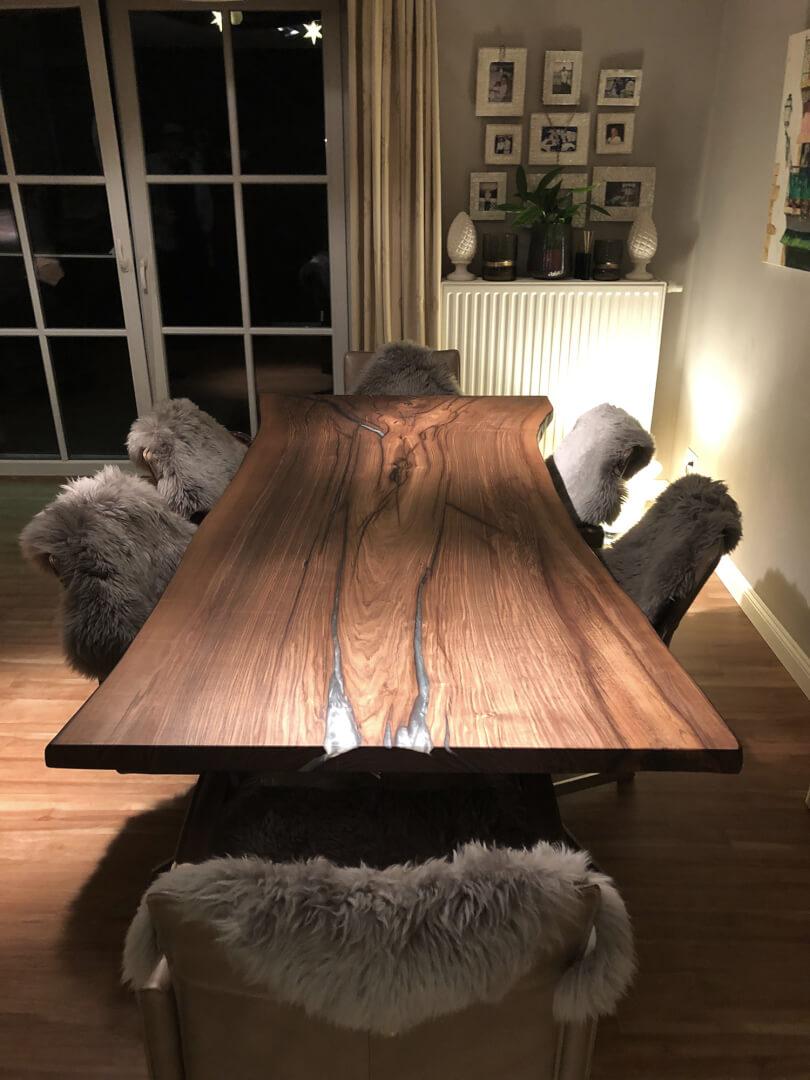 Tisch Unikat aus einem Stück | unikater Holztisch