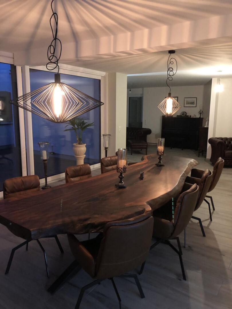 Unikat Tisch Altholz | Unikater Tisch mit Metallgestell